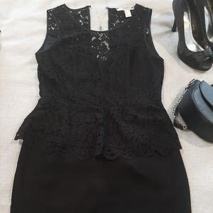3/$25🎉 Forever 21, Classy Black w Lace Dress.